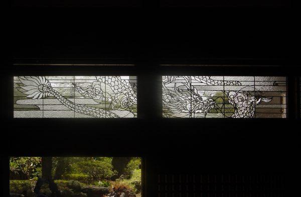龍ステンドグラス