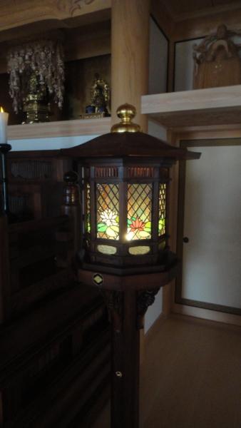 燈籠のステンドグラス